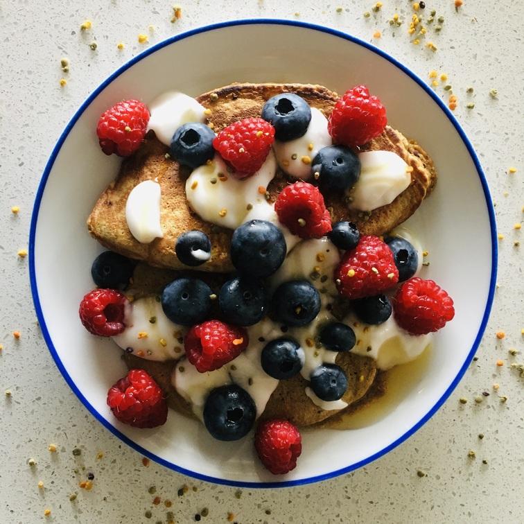 Tortitas de sarraceno y polen fresco